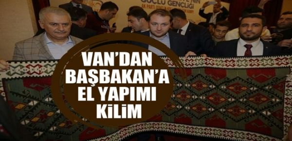 Van'dan Başbakan Yıldırım'a el yapımı kilim